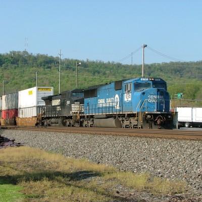 Former Conrail SD60M Pulls into Harrisburg Intermodal