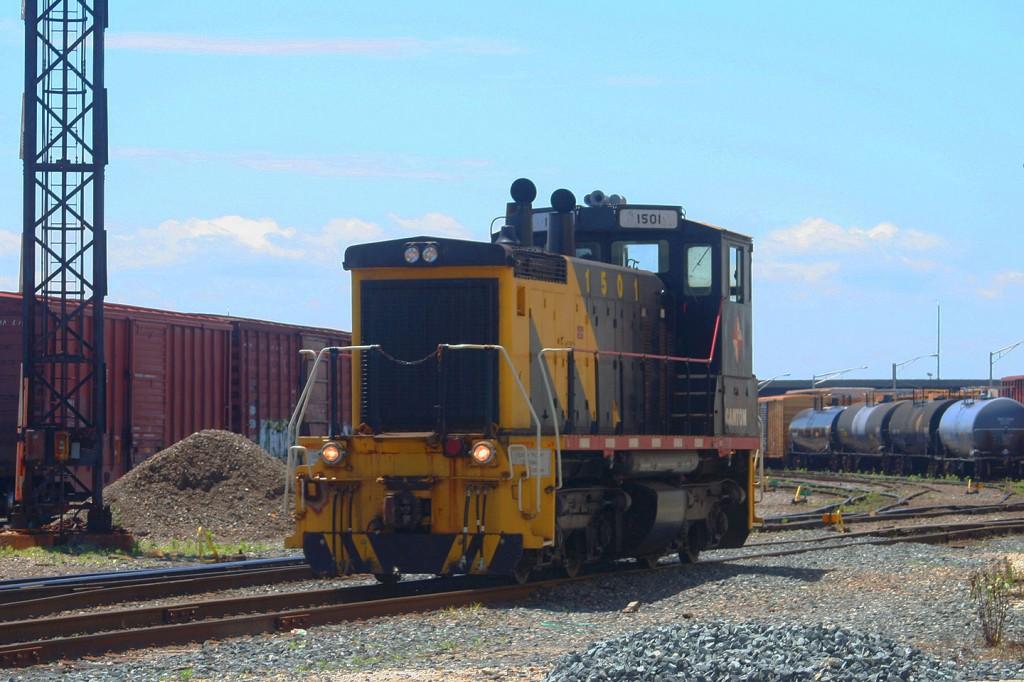 A Bonus Canton SW1500 in Penn Mary Yard
