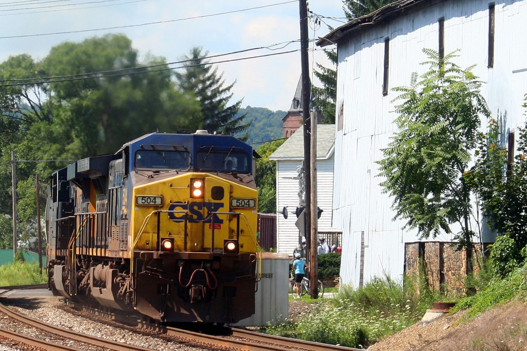 Eastbound CSX AC4400 In Meyersdale