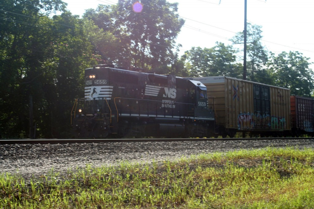 Norfolk Southern local heading back to Dillersville Yard