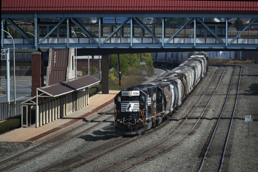 The SD40-2s roll through downtown Altoona before cutting off somewhere further east.