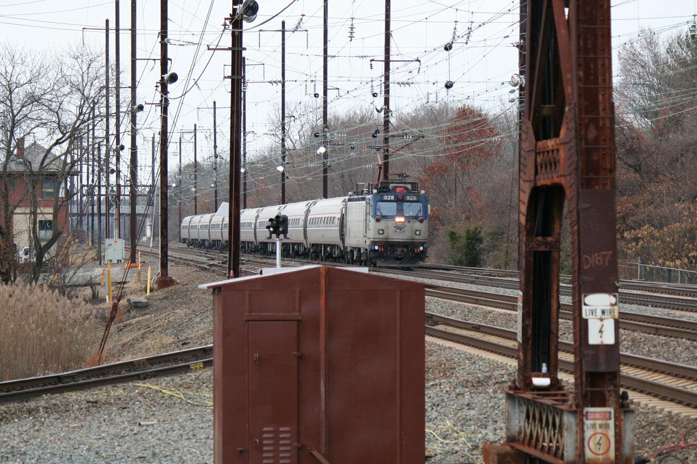 2014-Amtrak-Busiest-Day-AEM7-NB-Davis