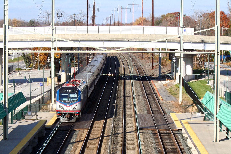 Amtrak ACS64 From the Halethorpe MARC Station Bridge