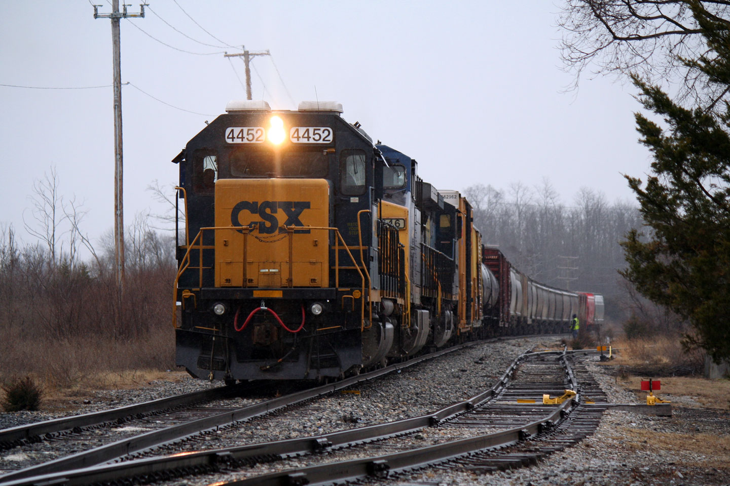 CSX D795 works at the quarry at Bitingers.