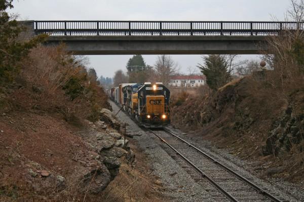2015-04-03-CSX-D795-Gettysburg-Under-Bridge