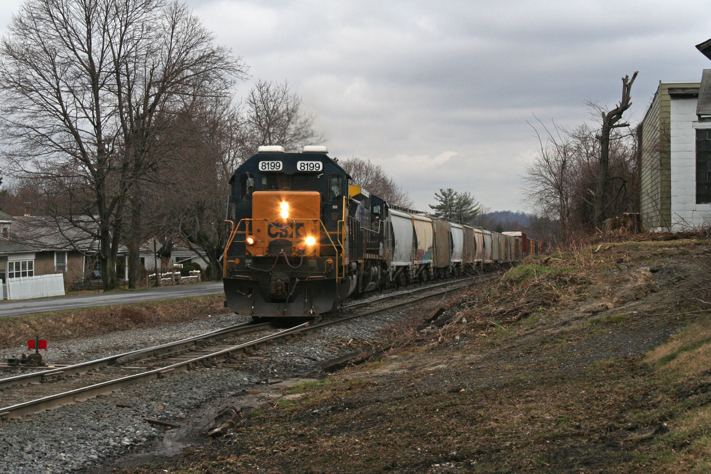 Unknown CSX local getting ready to leave Blue Ridge Summit.