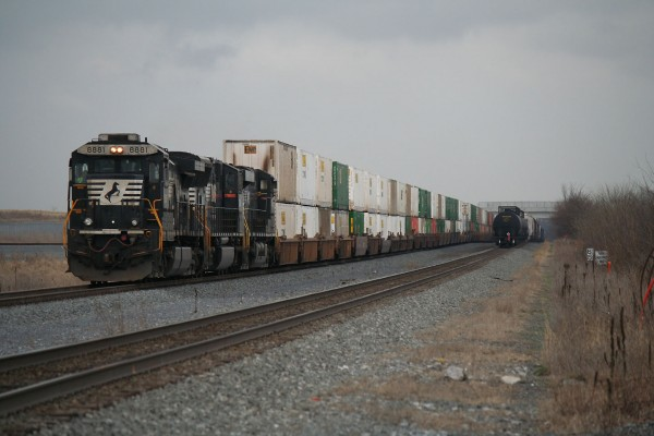 2015-04-03-NS-Greencastle-Stack-Train