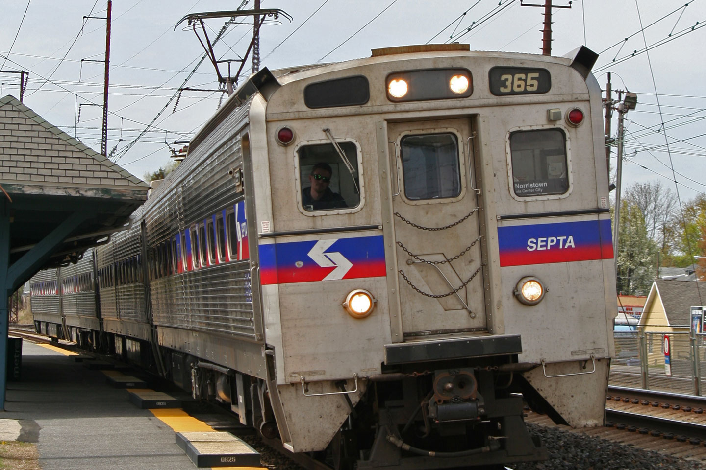 2015-04-25-Philly-SEPTA-Prospect-Departure-Wide